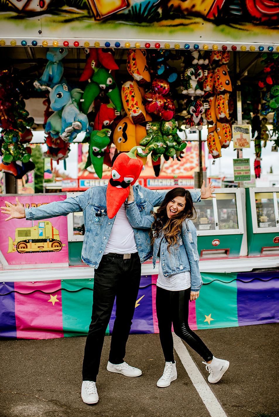 Portland-wedding-photographer-carnival-engagement-photos_067.jpg