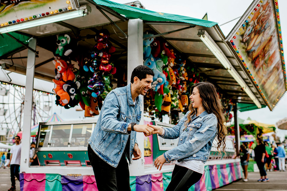 Portland-wedding-photographer-carnival-engagement-photos_153.jpg