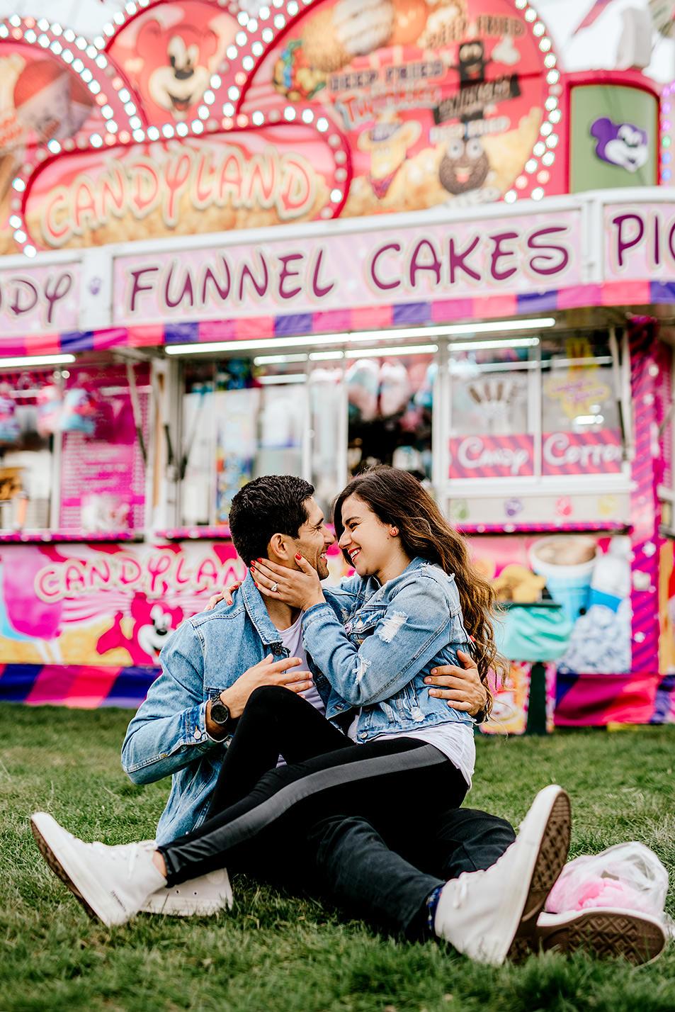 Portland-wedding-photographer-carnival-engagement-photos_214.jpg