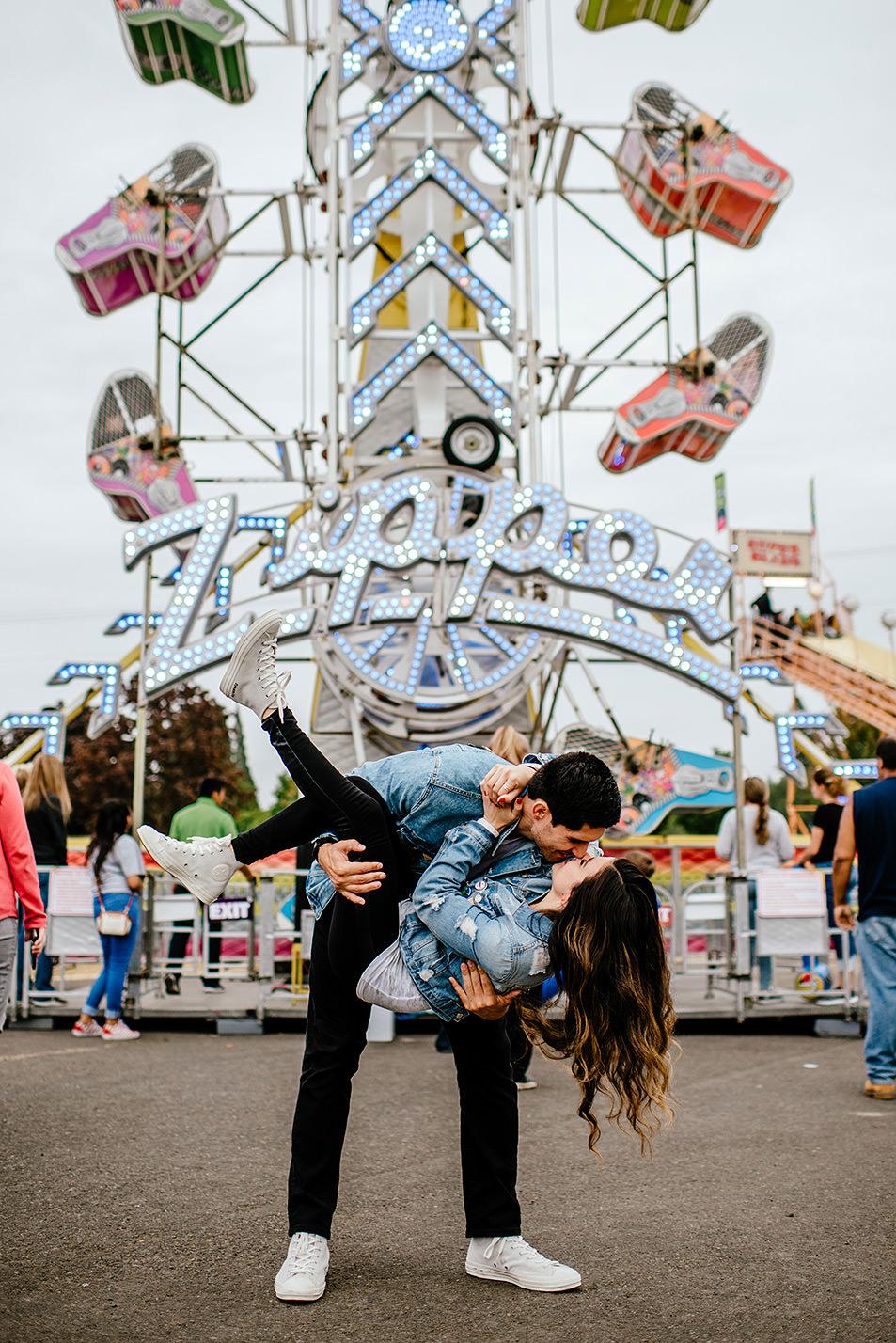 Portland-wedding-photographer-carnival-engagement-photos_222.jpg