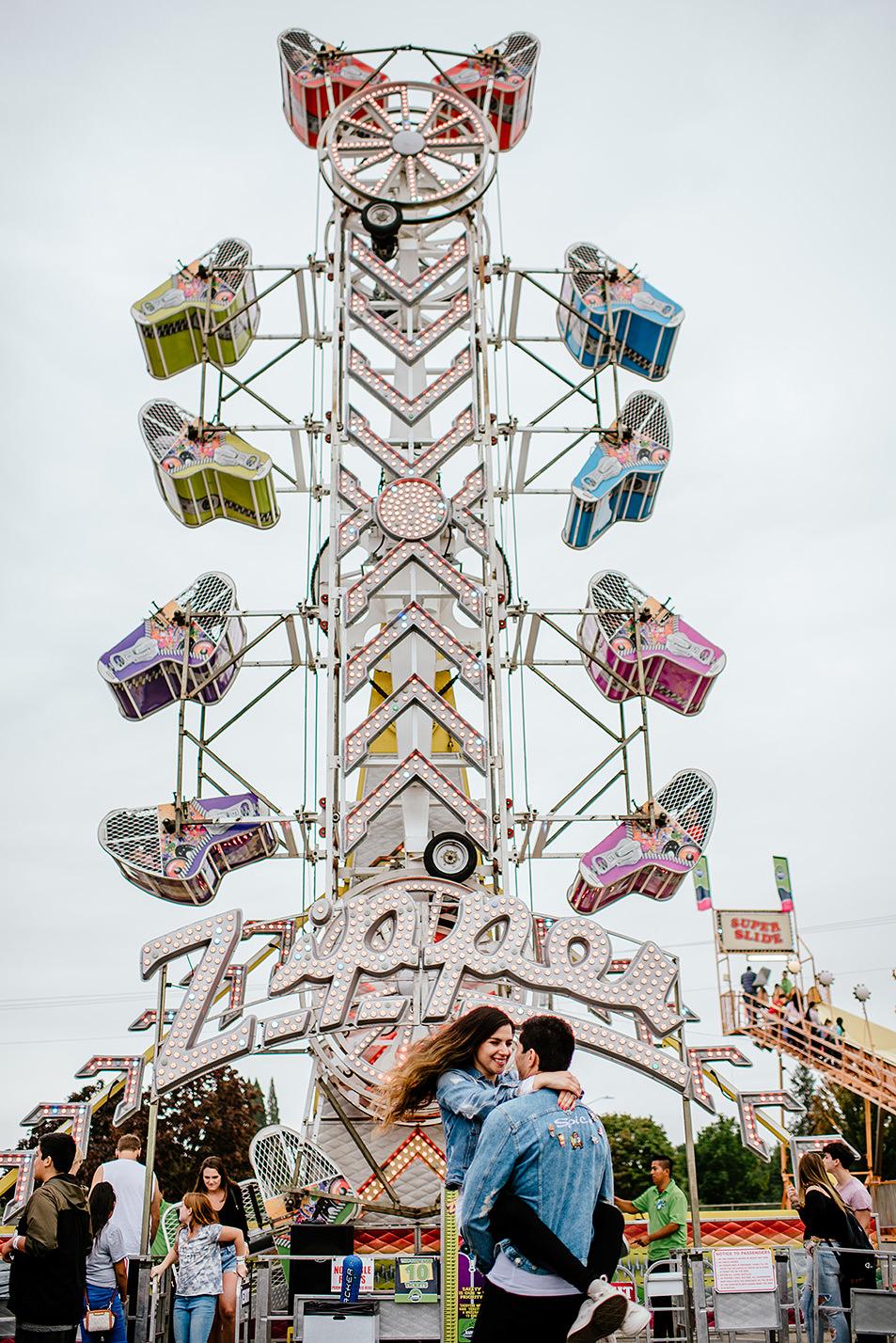 Portland-wedding-photographer-carnival-engagement-photos_227.jpg