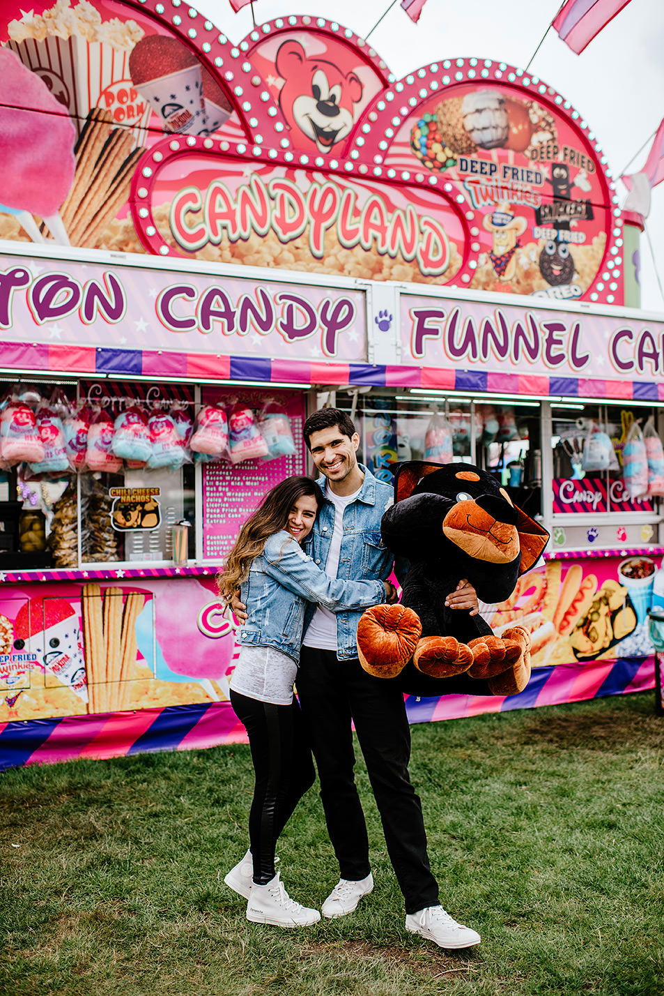 Portland-wedding-photographer-carnival-engagement-photos_101.jpg