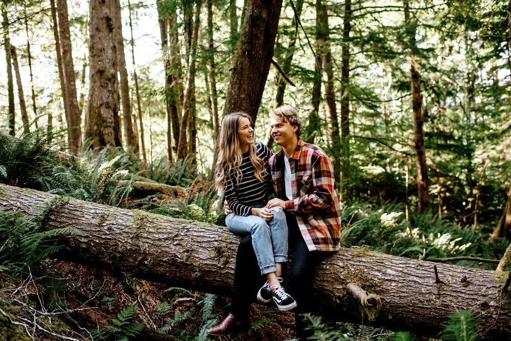 Oregon-Coast-Engagment-Session-Wedding009.jpg