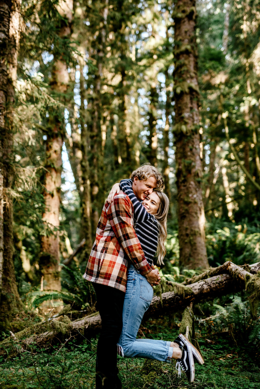 Oregon-Coast-Engagment-Session-Wedding019.jpg