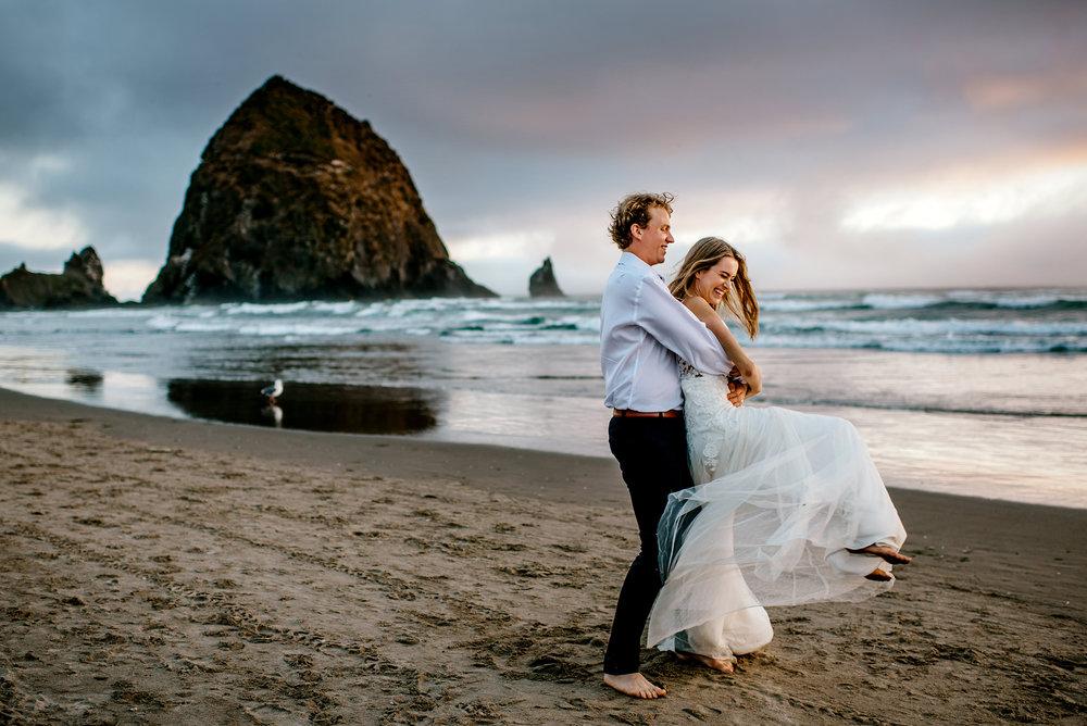 Oregon-Coast-Engagment-Session-Wedding231.jpg