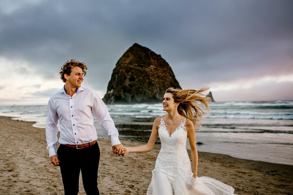 Oregon-Coast-Engagment-Session-Wedding240.jpg