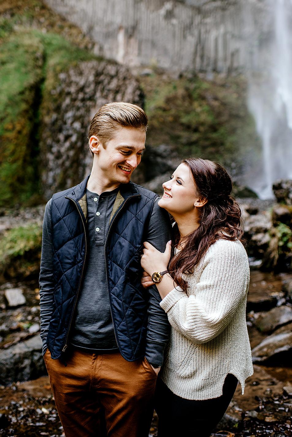 columbia-river-gorge-engagement-photos-Portland-Oregon-Photographer035.jpg