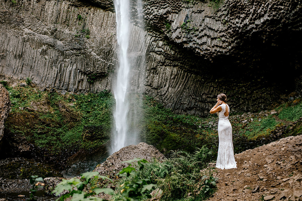 Columbia-River-Gorge-Elopement-Portland-Oregon-Wedding-Photographer-589.jpg