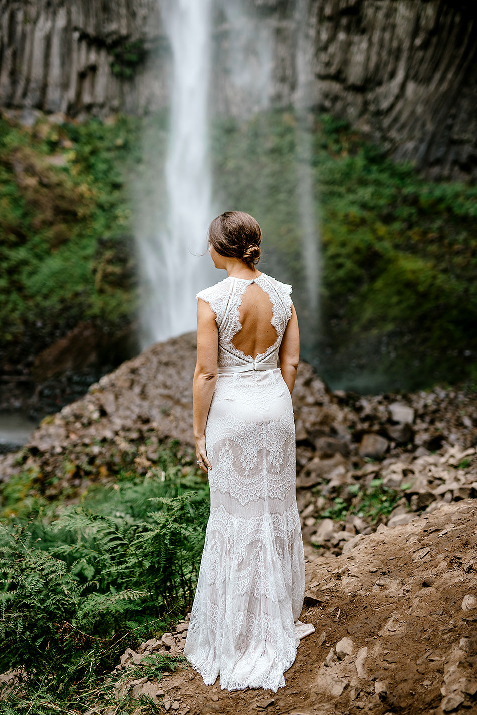 Columbia-River-Gorge-Elopement-Portland-Oregon-Wedding-Photographer-591.jpg