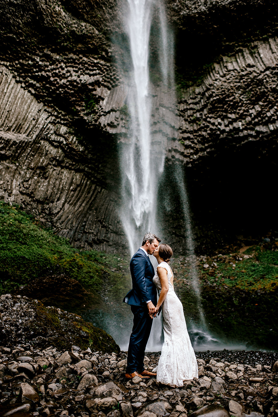 Columbia-River-Gorge-Elopement-Portland-Oregon-Wedding-Photographer-652.jpg