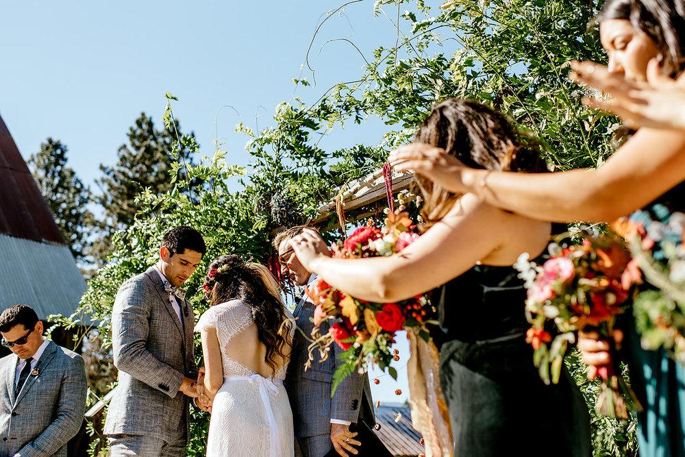 Tin-roof-Barn-wedding-Portland-Oregon-wedding-photographer-0435.jpg
