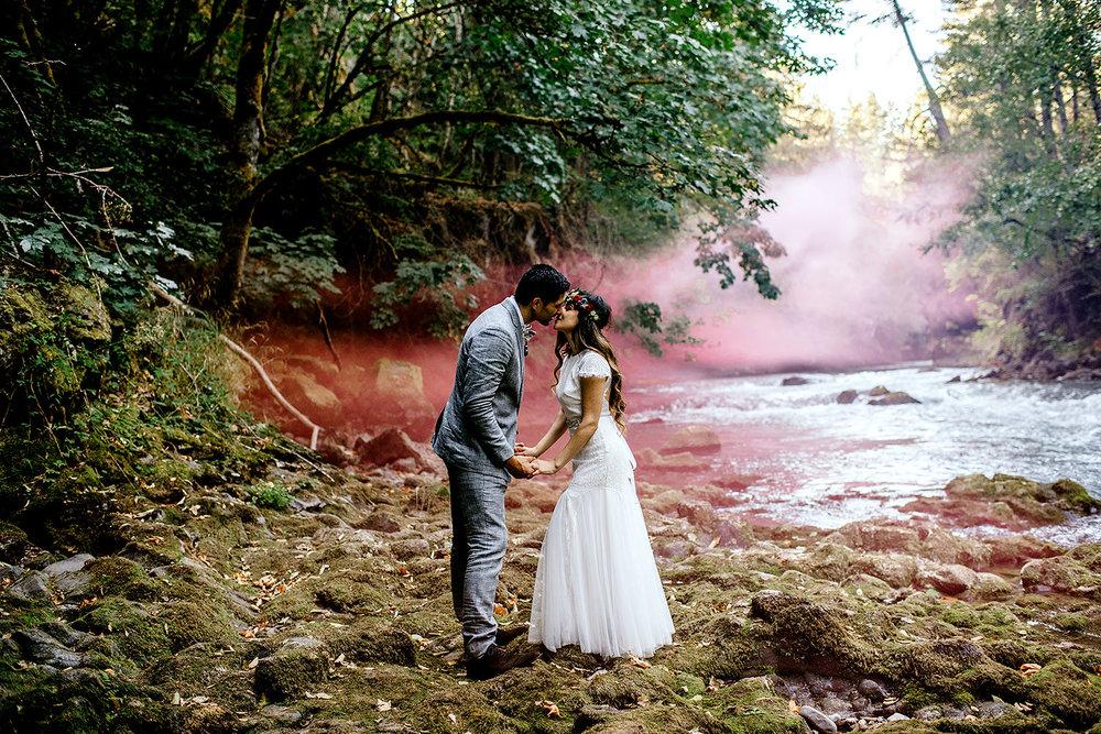 Tin-roof-Barn-wedding-Portland-Oregon-wedding-photographer-0611.jpg
