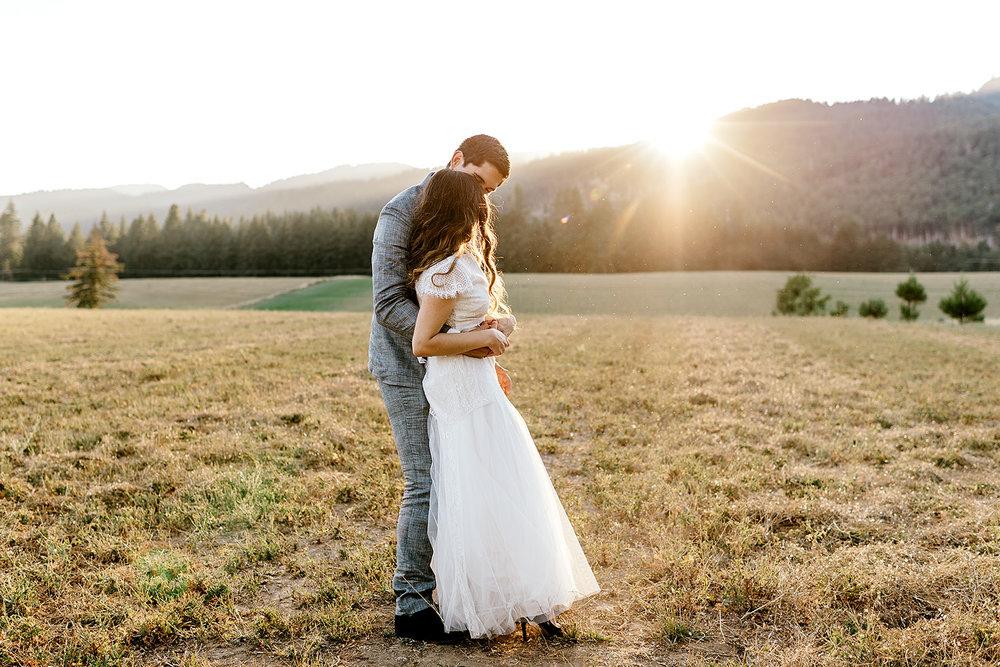 Tin-roof-Barn-wedding-Portland-Oregon-wedding-photographer-0776.jpg