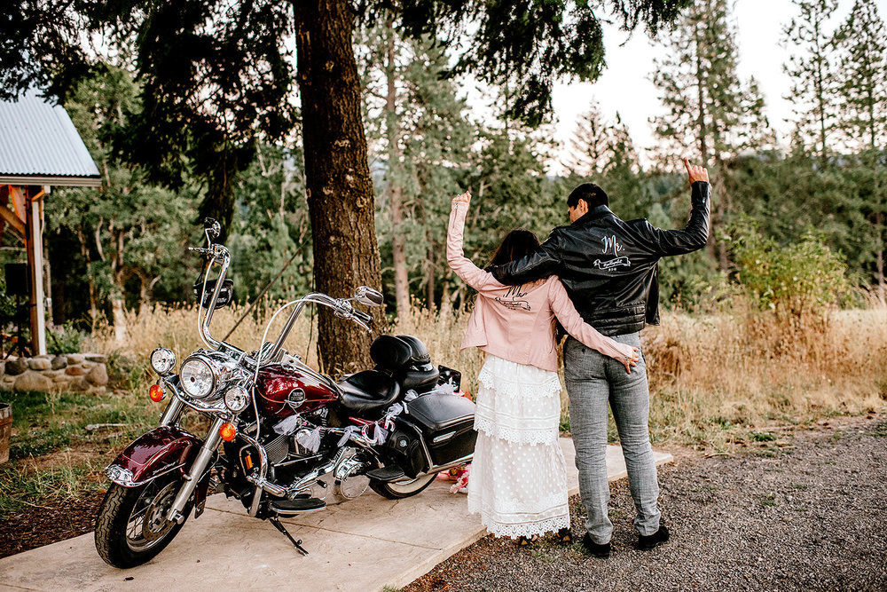 Tin-roof-Barn-wedding-Portland-Oregon-wedding-photographer-0977.jpg