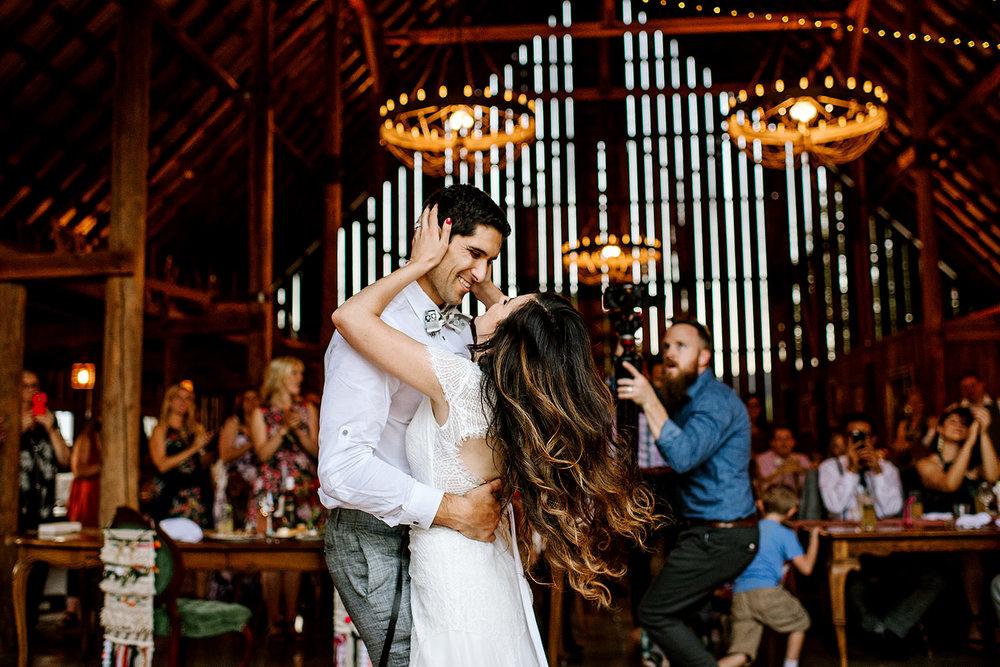 Tin-roof-Barn-wedding-Portland-Oregon-wedding-photographer-0916.jpg