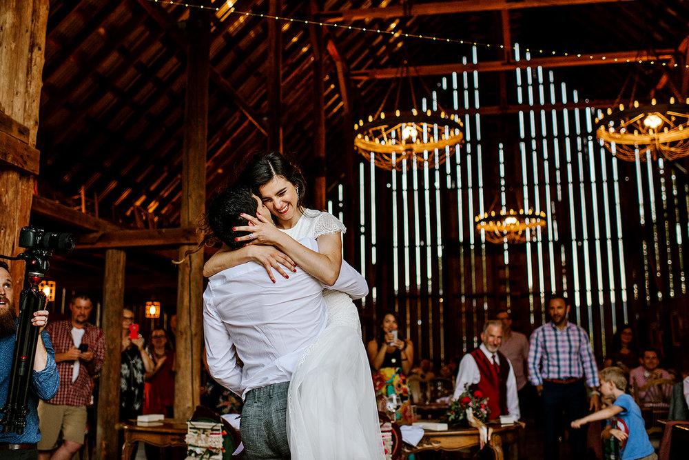 Tin-roof-Barn-wedding-Portland-Oregon-wedding-photographer-0917.jpg