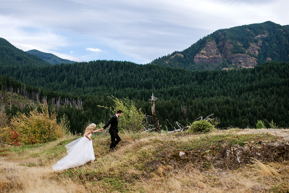 Portland-Wedding-Photographer-Columbia-River-Gorge-Wedding22.jpg