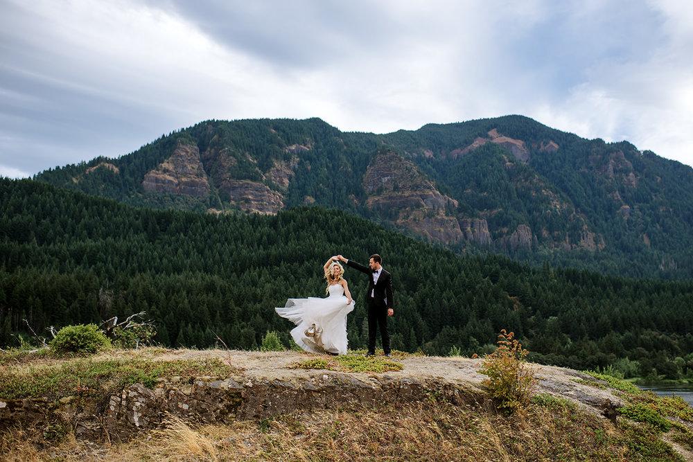 Portland-Wedding-Photographer-Columbia-River-Gorge-Wedding23.jpg