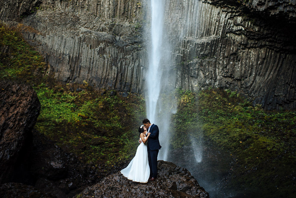 Latourell-falls-engagement-portland-wedding-photography31.jpg