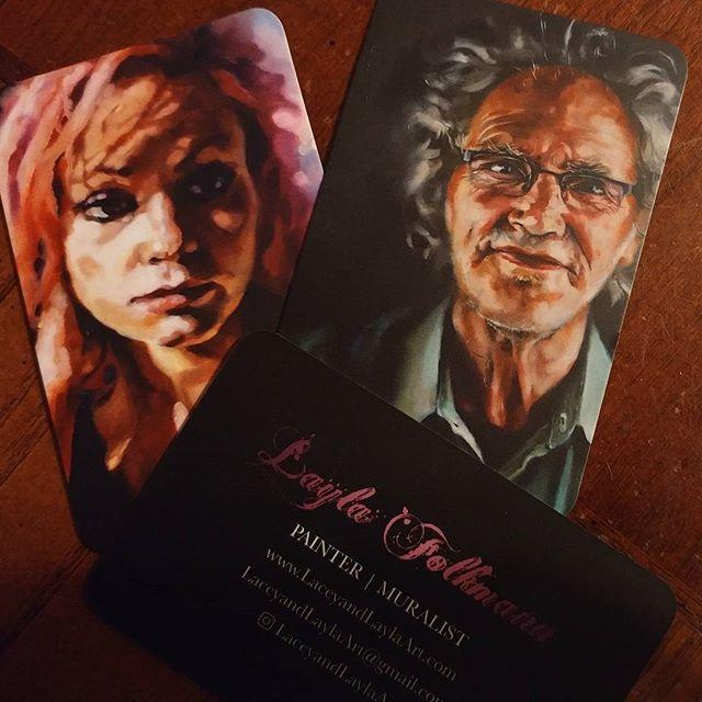 Got my new business cards in the mail! #moocards #pro #amiarealartistyet? #cardsfordays. #buisnesstime #artfart #portraits #laceyandlaylaart #laylafolkmann