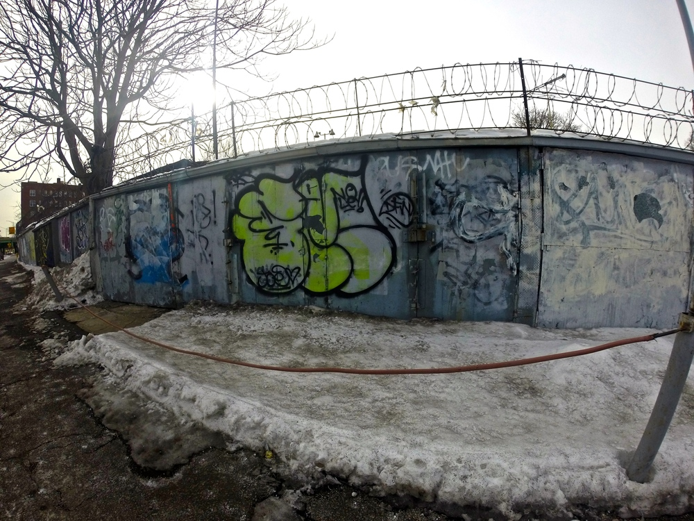 semi-graffiti-elevated-locals
