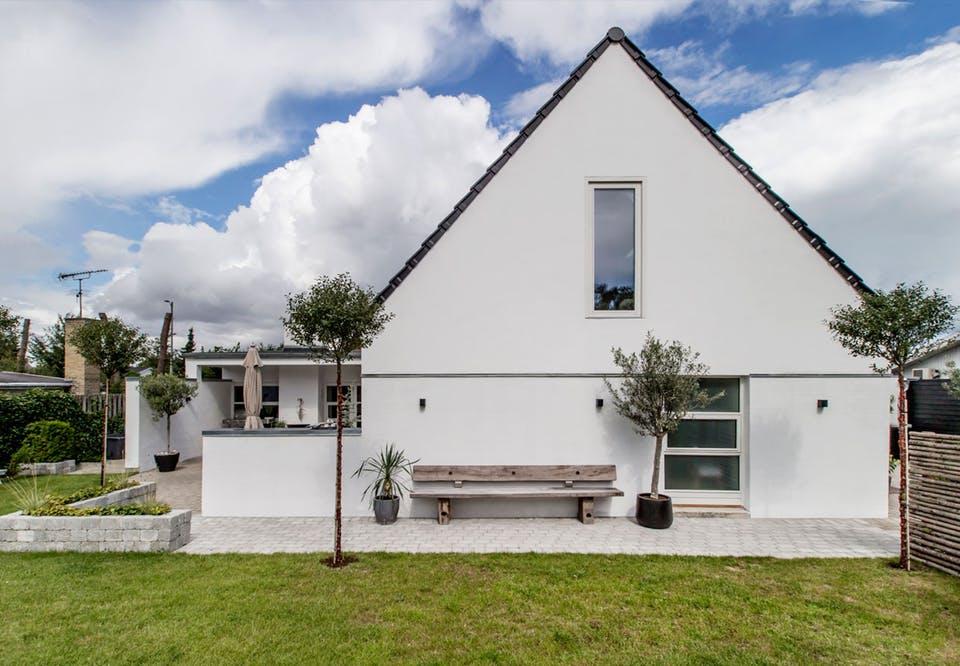 Danish House Tour - Minimalism in Greve14.jpg