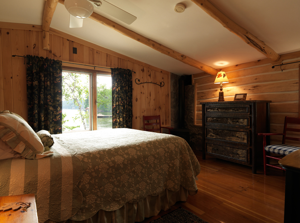 Cabin1_bedroom.jpg