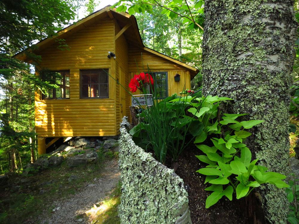 Cabin12_exterior.jpg