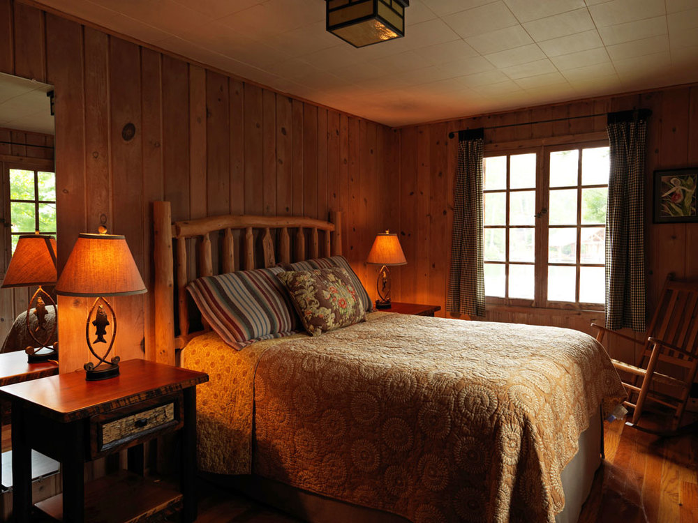 Cabin25_bedroom.jpg