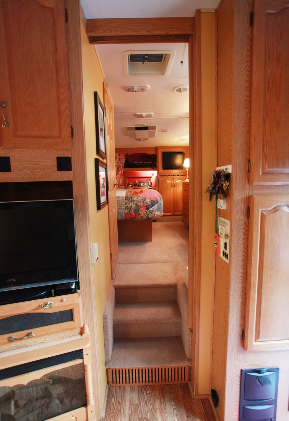 2005 Keystone Montana Fifth Wheel For Sale - Stairs Up.jpg