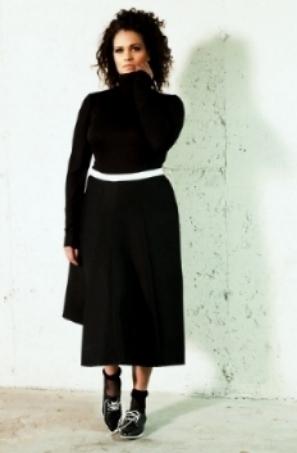 flowy skirt & black turtleneck.jpg