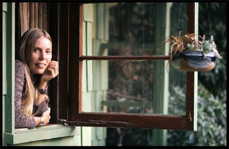 Joni Mitchell by Henry Diltz