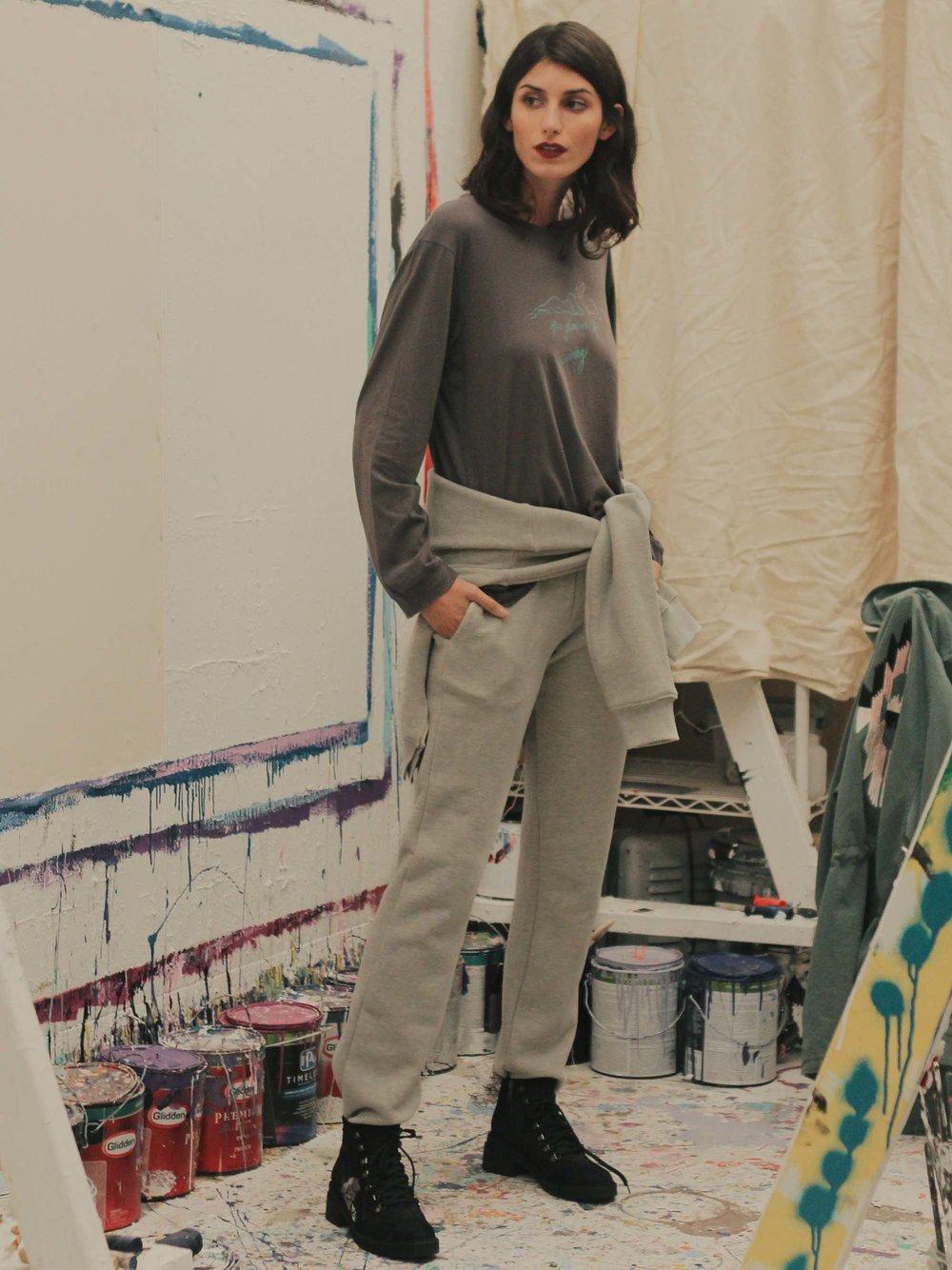 Bliss And Mischief-Studio Sweatpant in Heather Grey