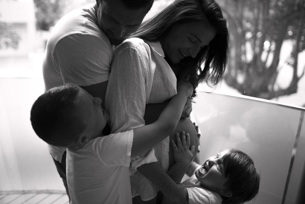 family photography, sydney family photography, maternity photographer sydney, pregnancy photographer sydney, sydney family images, pregnancy photos bondi, bondi beach,