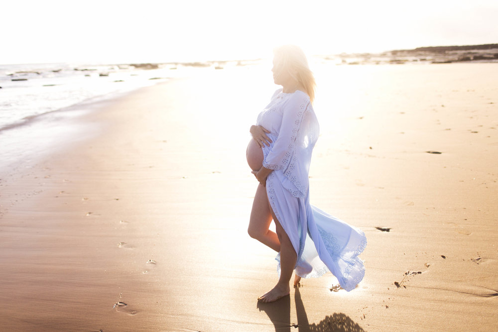 Sydney maternity photographer, maternity photographer, maternity, family photographer, family, deewhy beach, bondi beach, tamarama, love, family photography, sydney family photographer, sydney family photos, beach, lifestyle images, lifestyle pregnancy, Julia wheeler photography, julia wheeler