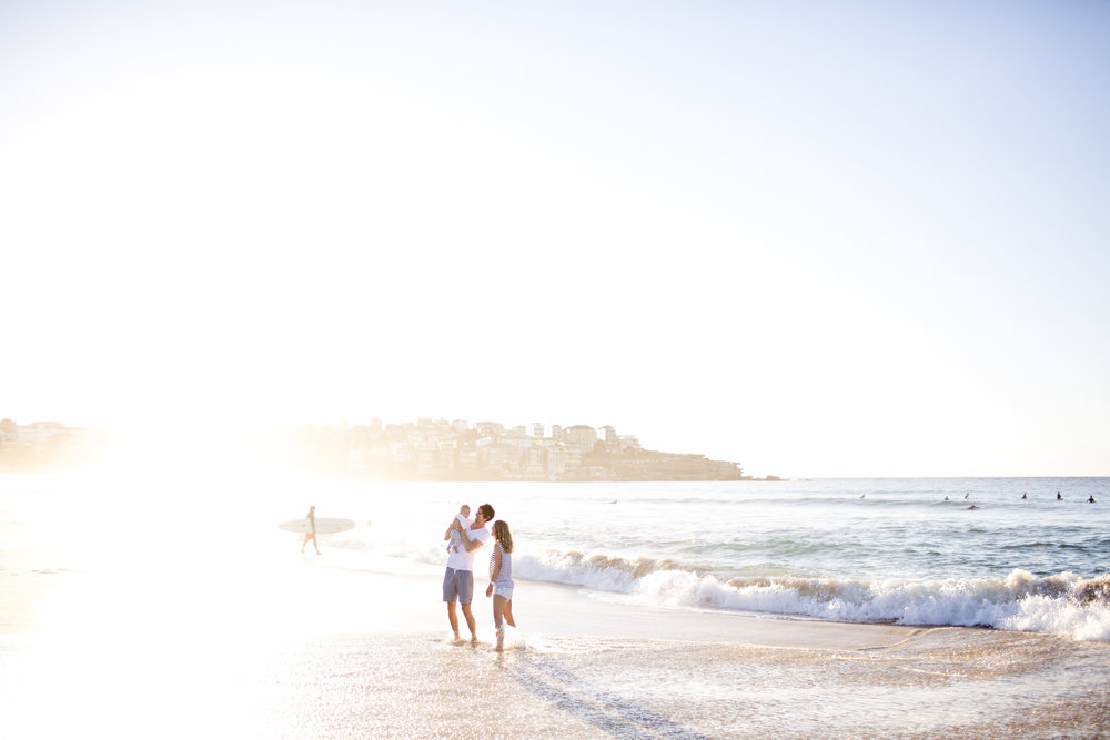 bondi beach, family photography, family photos sydney, sydney photographer, lifestyle, tamarama, bronte, coogee, morning light, sydney family photographer, sydney family photography, ocean
