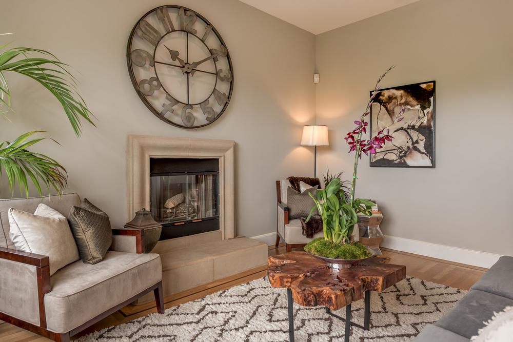 Living Room07.jpg