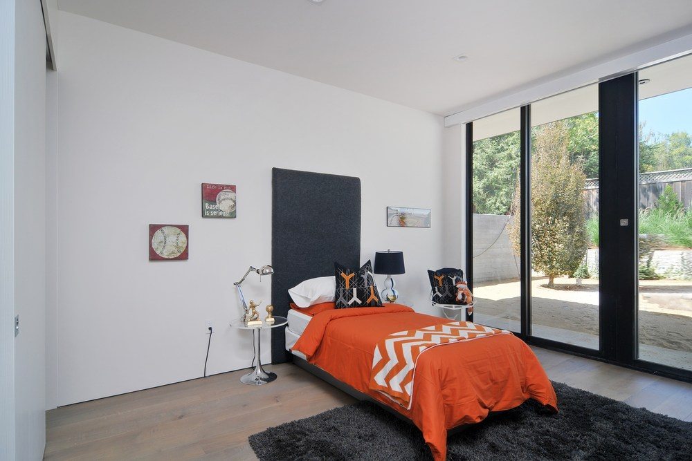 023_Bedroom (3).jpg