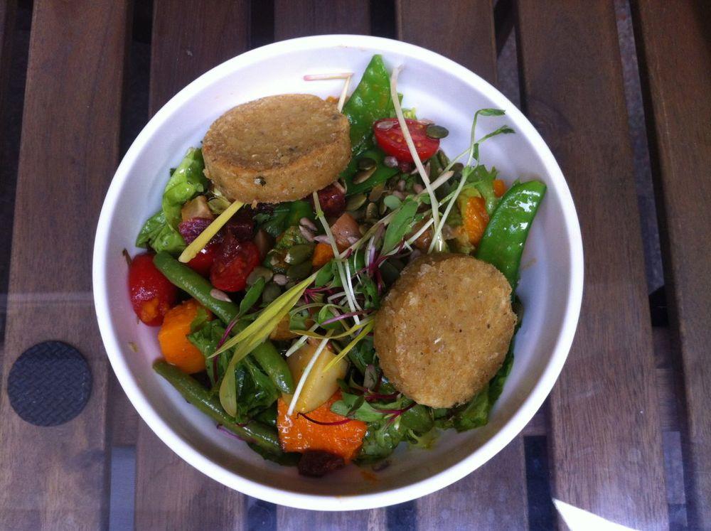 Jungle Salad with Falafel