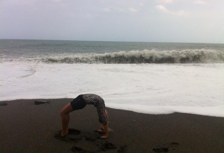 Beach yoga <3