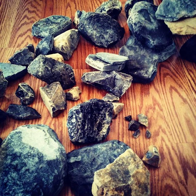 First part of my aquascaping project finished (collecting the rocks)! Now I will need to make them aquarium safe. #aquascaping #basalt #volcanicrock #fishtank #diy