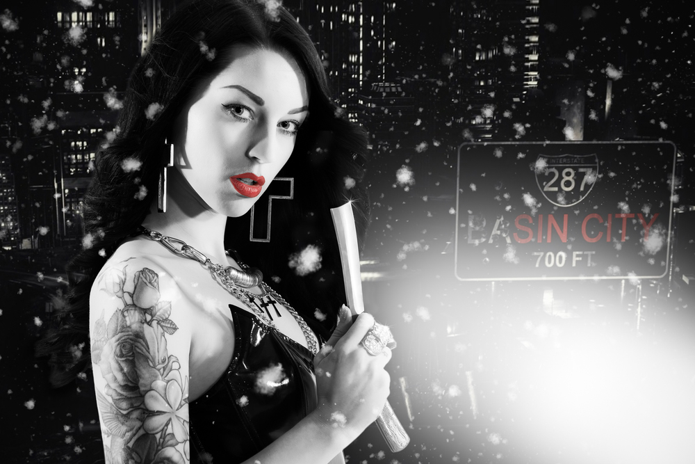 Sin City dame with cut throat razor