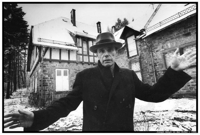 copyright Herbert Piel:Joseph Beuys in der Eiffel, 1984