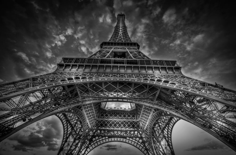 © Paris by Serge Ramelli, to be published by teNeues in March 2015, € 59,90,   www.teneues.com  .   EIFFEL TOWER,   Photo © 2015 Serge Ramelli and YellowKorner. All rights reserved.