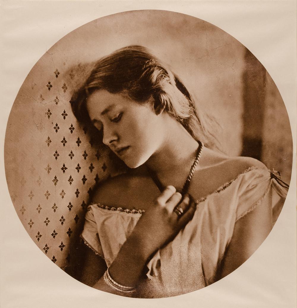 Julia Margaret Cameron (1815-1879), Miss Ellen Terry, 1864, Pigmentdruck, © Museum für Kunst und Gewerbe Hamburg
