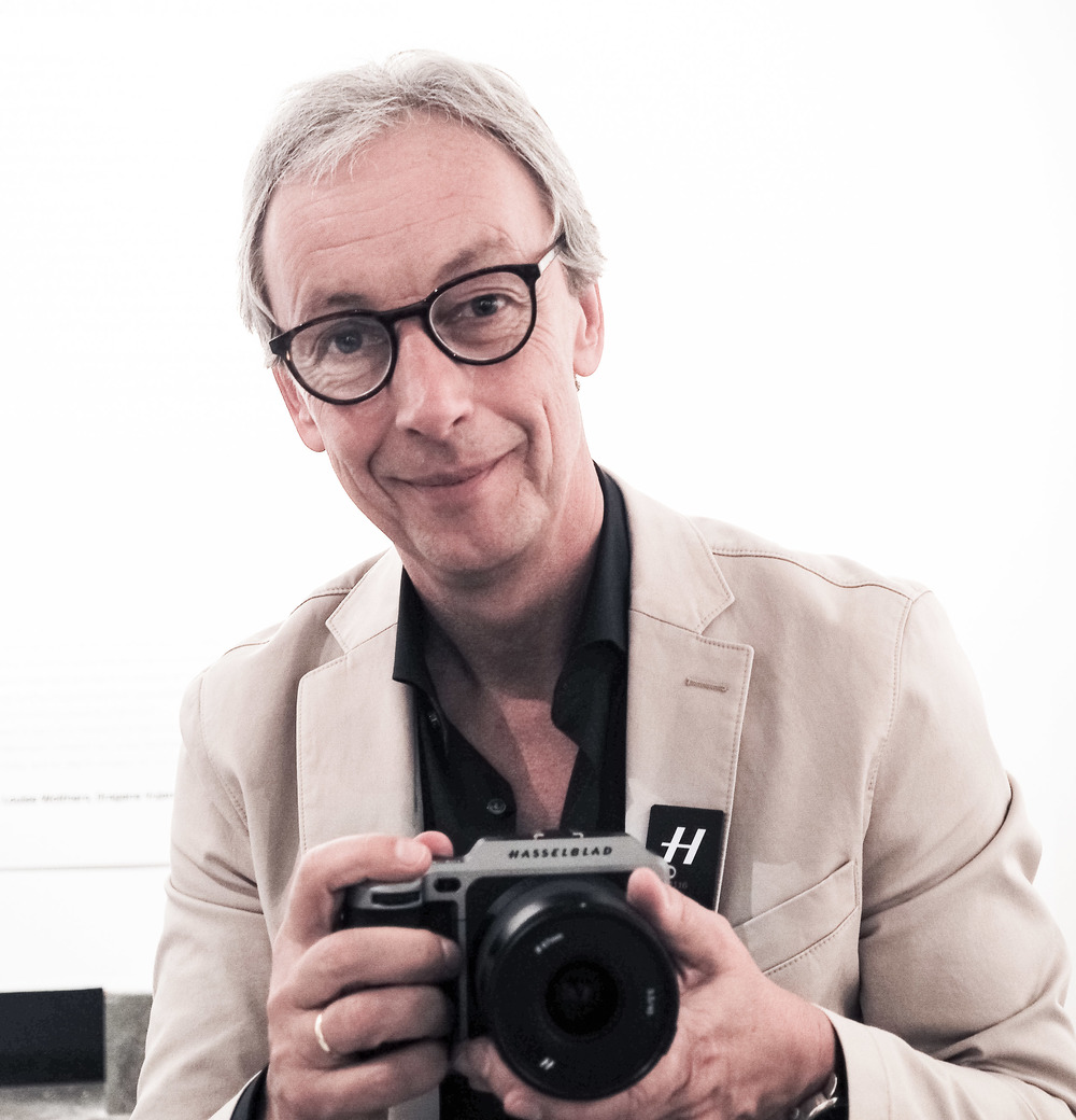 Perry Oosting CEO Hasselblad mit der X1D
