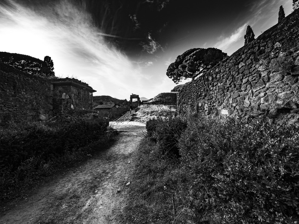 Streets of Pompei - Olympus Zuiko 7mm - Eric Berger