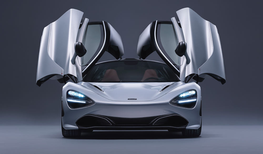 720S, McLaren, English Speedster  Photo © McLaren Automotive;  www.cars.mclaren.com