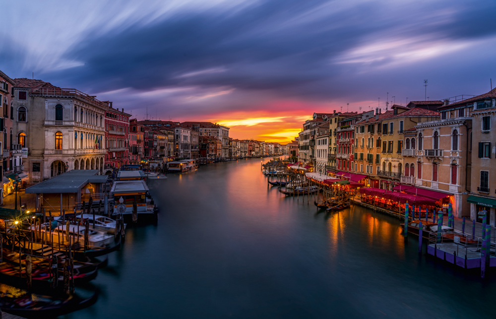 On top of Rialto bridge, Sunset  Photo © 2017 Serge Ramelli. All rights reserved.