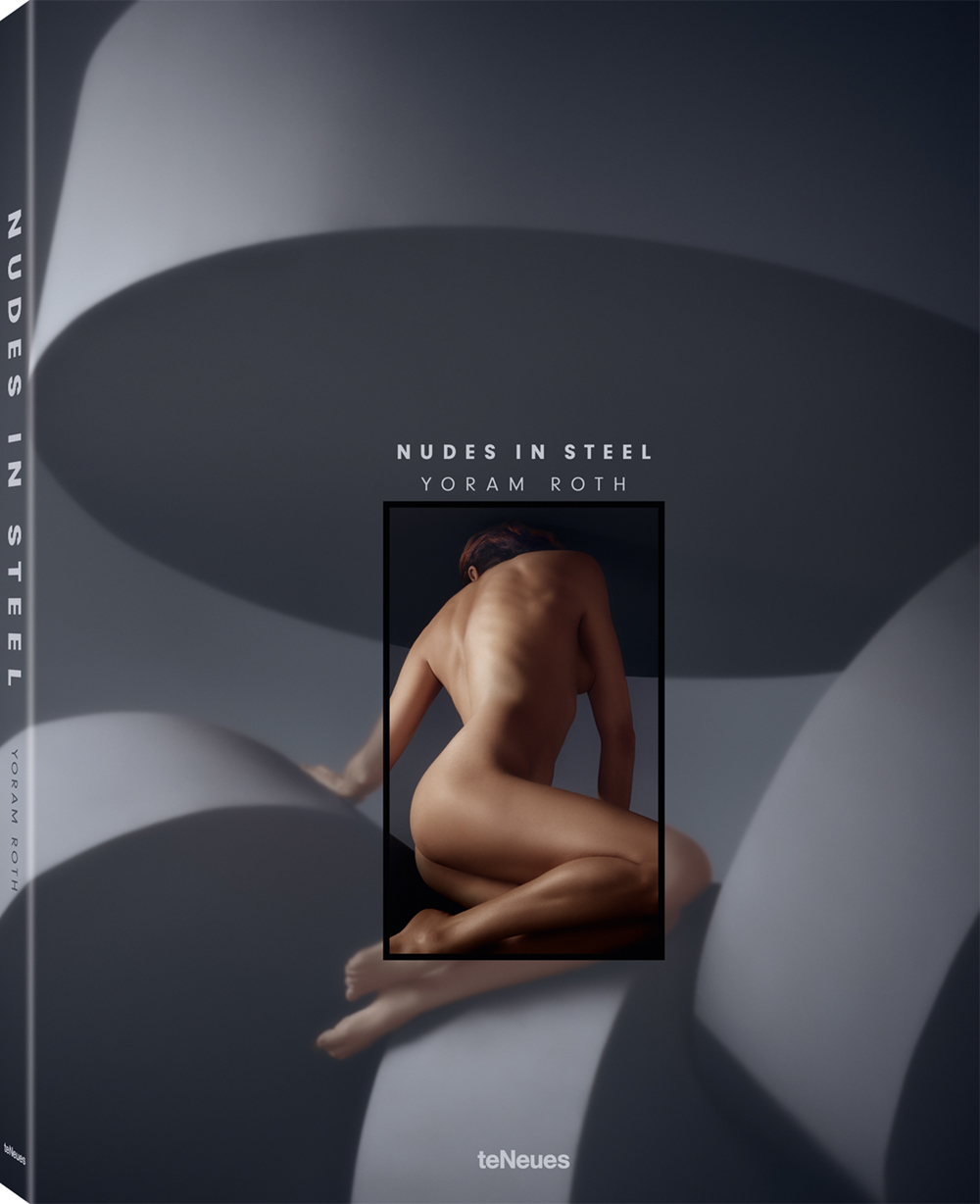 © Nudes in Steel by Yoram Roth, published by teNeues, € 50, www.teneues.com , Roarie turning away, Brutalism, Photo © 2018 Yoram Roth. All rights reserved. www.yoramroth.com